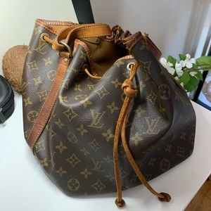 Authen Louis Vuitton Noe drawstring shoulder bag